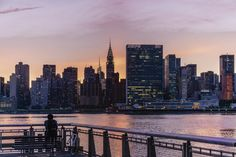 Kurt Krause: Midtown Manhatten im Abendlicht Leinwandbilder New York Poster, Manhattan, San Francisco Skyline, New York City, New York Skyline, Wall Art, Travel, Wall Canvas, Viajes