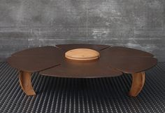 Coffee table for indoor and outdoor weathering steel and 5mm H20,5 cm, diameter of 100 cm (weight about 40 kg), with the central part and