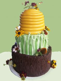 beehive honey bee cake - would be perfect for twins' birthday party too.