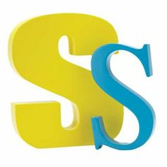 Gult S till Svante - han gillar gult och han kan sin bokstav S. Ett måste nu va? Ovanför sängen typ.