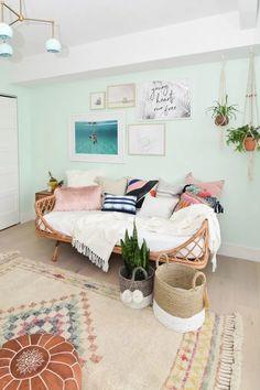 Bohemian Style Rooms, Boho Room, Modern Bohemian, Bohemian Design, Room Style, Guest Room Office, Guest Room Decor, Bedroom Decor, Daybed Room