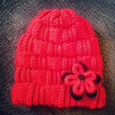 Loom knitting basket weave beanie hat