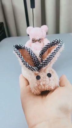 DIY Handmade Cute Towel Rabbit - knitting is as easy as 3 knitting . - art - DIY Handmade Cute Towel Rabbit Knitting is as easy as 1 2 3 knitting Best Picture For jewelry ring - Kids Crafts, Diy Home Crafts, Creative Crafts, Easter Crafts, Easter Decor, Sewing Crafts, Velvet Dolls, Towel Animals, Towel Crafts