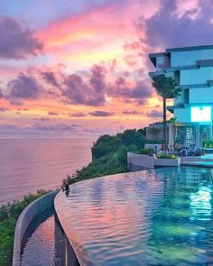 hotel de luxe Uluwatu beach club Top 5 most beautiful amp; best beach club in Uluwatu, Bali - Living + Nomads Travel tips, Guides, News amp; Hotel Bali, Hotel A Dubai, Vacation Places, Dream Vacations, Vacation Spots, Vacation Mood, Beautiful Places To Travel, Cool Places To Visit, Places To Go