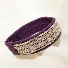 Tennarmband /leather bracelet with pewter thread. @madebydesiree on instagram.