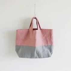麻帆布のバイカラートートバッグのキット Japanese Bag, Japanese Sewing, Shops, Sack Bag, All About Shoes, Purses And Bags, Needlework, Weaving, Pouch