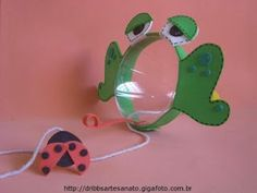 """letter """"F"""", frog activities, pop bottle frog catches a fly game: eye hand coordination Frog Crafts, Crafts For Kids, Arts And Crafts, Preschool Games, Craft Activities, Games For Kids, Art For Kids, Pop Bottles, Thinking Day"""