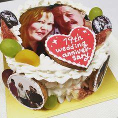 結婚記念日のケーキ Birthday Cake, Desserts, Food, Tailgate Desserts, Birthday Cakes, Deserts, Eten, Postres, Dessert