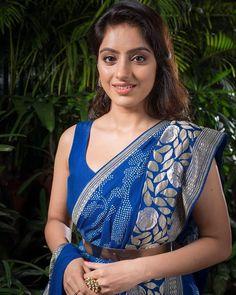 Indian Natural Beauty, Indian Beauty Saree, Indian Sarees, Silk Sarees, South Indian Actress Hot, Indian Tv Actress, Indian Actresses, Beautiful Bollywood Actress, Beautiful Indian Actress