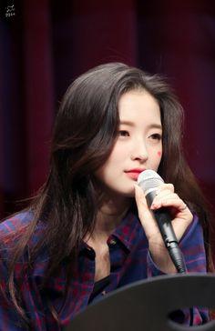 Kpop Girl Groups, Kpop Girls, Arin Oh My Girl, Who Runs The World, Ballet Girls, Woman Crush, Suzy, K Idols, Girl Photos