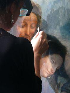 """""""Sant'Anna"""" di Leonardo da Vinci durante il restauro"""