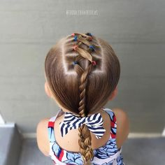"695 mentions J'aime, 7 commentaires - Cami Toddler Hair Ideas (@toddlerhairideas) sur Instagram : ""Saying goodbye to July with some red, white, and blue! I started with center criss-crosses,…"""