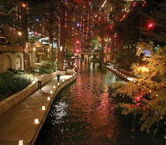 San Antonio's River Walk. i forget how beautiful it is at christmas