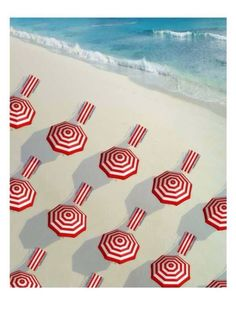 Red and white - parasols and towels - on the beach Under My Umbrella, Beach Umbrella, Umbrella Tree, No Rain, Parasol, Am Meer, Red And White Stripes, Summer Of Love, Summer Colors