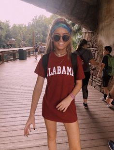 Ray-Ban Sunglasses \ eyewear \ ray-bans \ fashion \ sunnies \ summer \ fashion \ discountedsunglasses.co.uk Cute Summer Outfits, Cute Casual Outfits, Spring Outfits, Summer Outfits For Vacation, Summer Ootd, Lazy Outfits, Casual Jeans, School Outfits, Looks Street Style