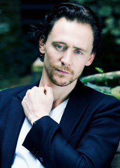 tom hiddleston | Tom Hiddleston is a English Actor who is works in Hollywood movies.