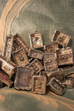 Online  tutorial class Soldering charms & CROWNS   boxs and more workshop e-course.  via Etsy.