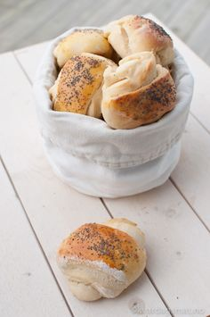 Tebriks - Kvardagsmat Our Daily Bread, No Bake Treats, I Love Food, Bagel, Camembert Cheese, Food And Drink, Baking, Recipe, Menudo Recipe
