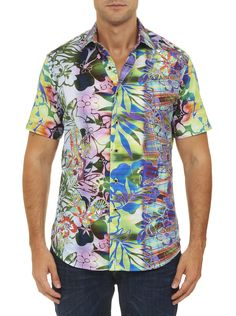 Nothing says serious summer style more than a great Hawaiian shirt. Crafted from premium fabric with a large tropical print and contrast collar and cuff details this one shouts—aloha!