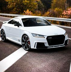 The White Audi R8