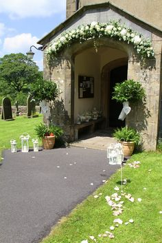 Flower Design Events: A Perfect Wedding Day in at St Michael's & The Inn at Whitewell
