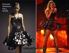 Runway To 2010 Grammy Awards – Beyonce Knowles In Atelier Versace