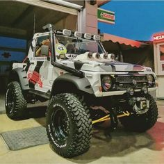 Suzuki Jimny Off Road, Jimny Suzuki, Samurai, Custom Hot Wheels, Car Wrap, Toys For Boys, Jeep Wrangler, Big Boys, Cars And Motorcycles