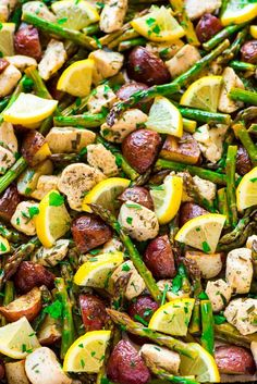 Healthy Baked Lemon Chicken with Garlic, Rosemary, Potatoes, and Asparagus. EASY, all-in-one sheet pan meal! So quick and easy, with NO clean up. Recipe at wellplated.com | @wellplated