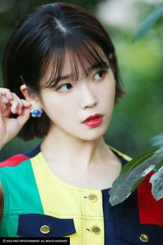 IU Kpop short haircut assume it, youve probably heard not quite the haircut trend featuring none other than the all the rage Korean rushed hair for women IU Kpo Korean Short Haircut, Iu Short Hair, Short Hair For Kids, Short Haircut Styles, Short Hair Styles For Round Faces, Short Hair Cuts, Long Hair Styles, Iu Twitter, Easy Hairstyles For Kids