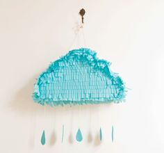 DIY Cloud Pinatas via http://lieschen-mueller.blogspot.ca/2010/04/blog-post_26.html