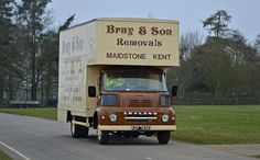 Leyland FG Luton Box Lorry Bray and Son Removals Antique Trucks, Vintage Trucks, Old Trucks, Old Lorries, Van Car, Heavy Machinery, Cute Cars, How To Make Tea, Commercial Vehicle