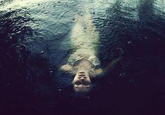 Untitled | Flickr - Sarah Ann Loreth. I think she is a stunnig Ophelia in a rainy day.