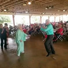 I finally got past my inner bastard this week and again … - Modern Shall We Dance, Just Dance, Zumba Funny, Funny Old People, Funny Dancing Gif, People Dancing, Arabic Jokes, Workout Videos, Zumba Videos