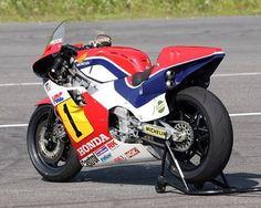 """☆ 1984 HONDA NSR500 NV0A Team HRC Frederick """"Freddie"""" Burdette Spencer ☆ #HONDA #NSR #NSR500 #Michelin #FreddieSpencer #fastfreddie"""