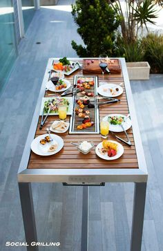 Angara is the ultimate modern outdoor dining table. With buit-in gas bbq grills & cool LED lights, the table is perfect for all your outdoor entertaining. Backyard Kitchen, Outdoor Kitchen Design, Backyard Bbq, Table Top Grill, Grill Table, Outdoor Table Tops, Outdoor Dining, Korean Bbq Grill, Custom Bbq Pits