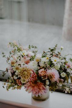 Bridal Bouquet Fall, Bridal Bouquets, Fresh Flowers, Beautiful Flowers, Sustainable Wedding, Philadelphia Wedding, Flower Farm, Zinnias, Phone Backgrounds