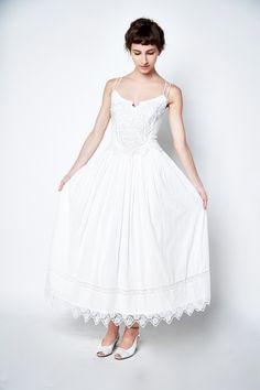 Vintage Cotton Princess Dress. #christmasangel #vintageshop #sundayshoppe #vintage #vintagedress #vintageweddingdress #weddingdress