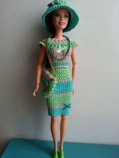 vêtement poupée mannequin Barbie (331)