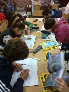 Investigando en la biblioteca escolar, 4ºB
