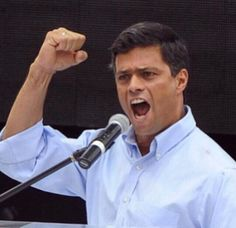 Feliz Cumpleaños al LÍDER de la Resistencia que dio la cara para despertar a todo un pueblo! #CumpleLeopoldo pic.twitter.com/MfX2u7awAR