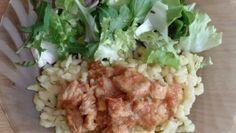 Bravčové mäsko na šťave s anklbensom a s haluškami so zeleninovým šalátom Grains, Rice, Meat, Chicken, Food, Essen, Meals, Seeds, Yemek