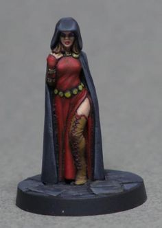 Hasslefree Lenore and Dynamic Lenore - Show Off - Reaper Message Board Dragon Miniatures, 28mm Miniatures, Fantasy Miniatures, Pathfinder Game, Message Board, Miniture Things, Love Painting, Figs, Wizards