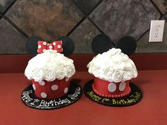 Mine and Mickey Mouse Jumbo Cupcake Cakes