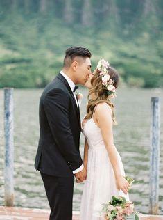 Genevieve and Christopher - Outdoor Oahu wedding - Hawaii and destination fine art wedding photographer Alice Ahn Wedding Spot, Hawaii Wedding, Summer Wedding, Wedding Ideas, Blush Pink Weddings, Wedding Photo Inspiration, Kualoa Ranch, Oahu, Wedding Photos