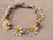 Vintage Flower Power Daisy Bracelet at rubylane.com
