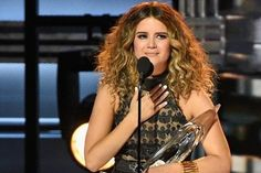 Maren Morris Wins New Artist of the Year at 2016 CMA Awards