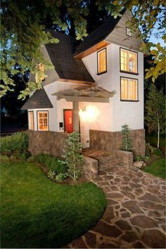 Tiny house, living in a small space on wheels, plans, interior cottage DIY, modern small house - Tiny house ideas Tiny House Movement, Plans Architecture, Architecture Design, Sustainable Architecture, Small House Living, Cabins And Cottages, Tiny Cabins, Small Places, Tiny House Plans