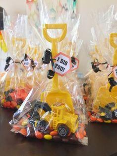 Für die kleine Bauarbeiter-Party zum Kindergeburtstag finden wir diese Idee super! Vielen Dank dafür! Dein balloonas.com #kindergeburtstag #party #motto #bauarbeiter #bob #baumeister #balloonas #deko #giveaway