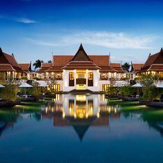 [ 카오락 JW 메리어트 ]  푸켓섬 위 40분 거리의 카오락 쿡칵 비치에 위치한 유럽인들의 천국입니다. 아름다운 열대초목으로 둘러싸인 완벽한 휴양지로 동남아시아에서 가장 아름다운 해변가로 유명한 곳입니다. 푸껫 여행의 또다른 매력으로 다가오는 곳, JW 메리어트를 만나보세요!       카오락 JW 메리어트 바로가기 ▶ http://bit.ly/LfHP3e