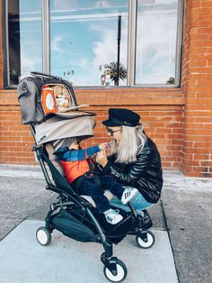 PacaPod and toddler in tow! Image via Masha (_zagrebelnaya_)